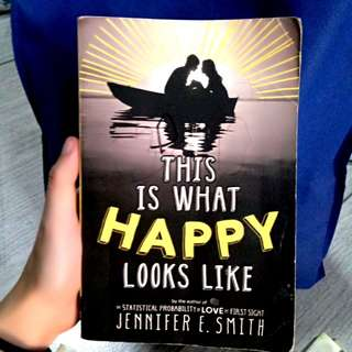 This Is What Happy Looks Like - Jennifer Smith