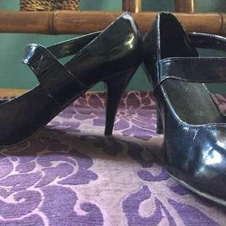 Boardwalk high heels (2.5 inches)