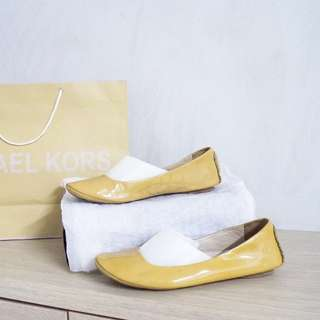 Michael Kors Original Flat Shoes Summer Yellow Mustard patent leather sepatu authentic