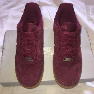 Nike Air Force 1 '07 suede burgundy