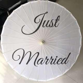 'Just married' umbrella - wedding prop