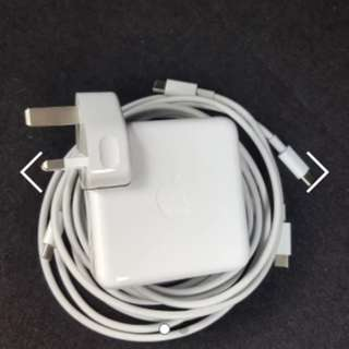 Macbook Pro 61w Type C Charger x 2 cables
