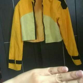 Outer kuning