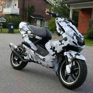 Sticker wrap on Motorbikes