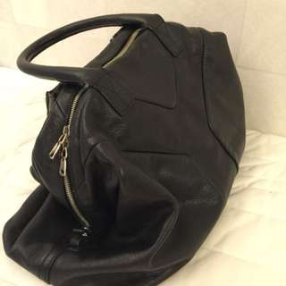 Authentic YSL Yves Saint Laurent Sac 57 bag (with invoice)