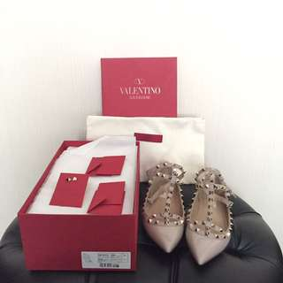 AUTHENTIC Valentino Rockstud Flats (used once only!)