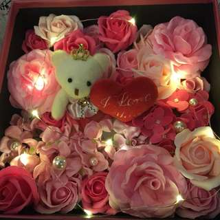 Valentine Flower Box - Lasting Scented roses in gift box(size 25cm x25cm)add LED lighting with extra $3(4 colours instock)
