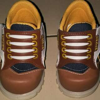 Sepatu bootz