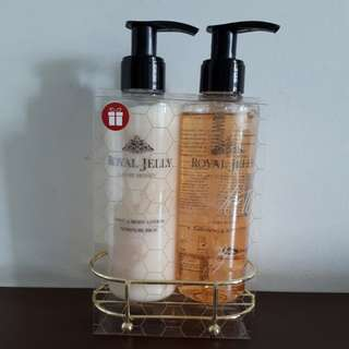 M&S ROYAL JELLY GIFT SET EXP 3/2019