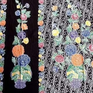 Kain Batik Encim Base Hitam Motif Bunga