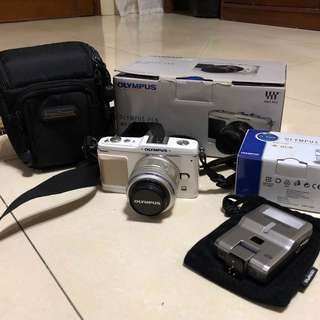 Olympus Pen E-P1 (Price negotiable)