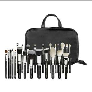 #huat50sale  Zoeva Brush Set