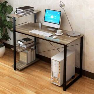 Simple Computer Table for small rooms