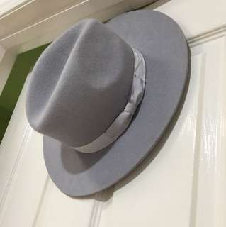 Lack of color grey fedora