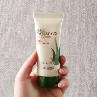Skinfood Aloe Watery Sun No Sebum Sunblock SPF50+ PA+++