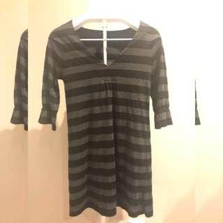 Long sleeve low cut Black & Grey mini dress