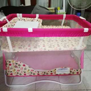 Baby Crib (Giant Carrier) with freebie