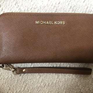 Genuine Micheal Kors Jet Set Continental Wallet/Wristlet