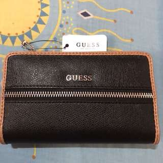 Guess Wallet/Celfone Holder