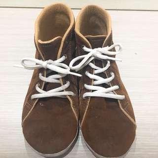 Sepatu coklat fashion