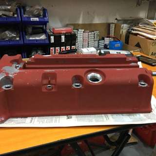 FD2R Engine valve cover