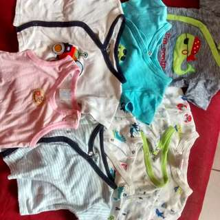 Newborn shirts (8 pieces)