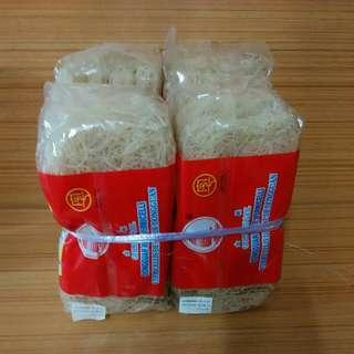 金帆東莞米粉食用期。03一05一2018,合共4包計