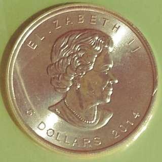 加拿大🍁楓葉銀幣👑✨  2014年。純銀。原装密封 價錢 = 20個一起賣