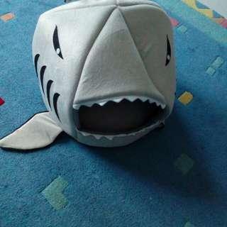Shark doo doo pet bed