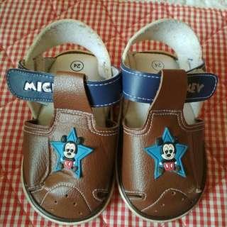 Disney shoes size 24