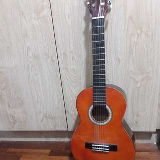 Classical Guitar 6 Strings Small Size + free bag (Negoable)