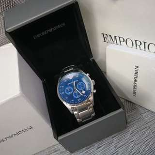 AUTHENTIC ARMANI NEW DESIGN WATCH WITH COMPLETE INCLUSION