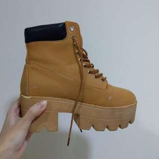 #Huat50sale Caramel Brown Platform Boots