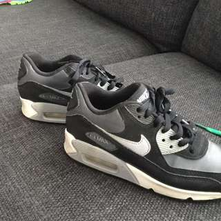 Size 5Y airmax 90s