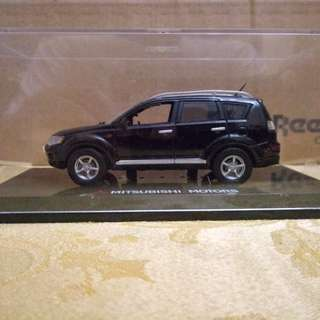 Mitsubishi Outlander miniature diecast