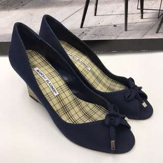 全新 Manolo Blahnik Canvas Wedges