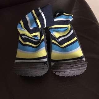 Shoe socks
