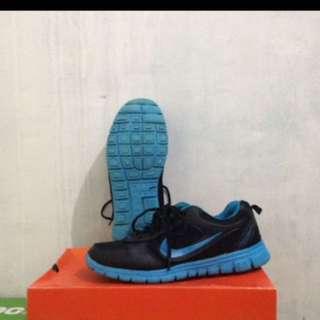Nike Running Premium Size 40