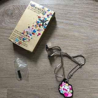 Brand new Shu Uemura Murakami eyelash curler