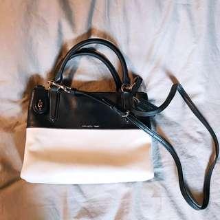 Coach 黑白拼色Shoulder bag (可斜咩)