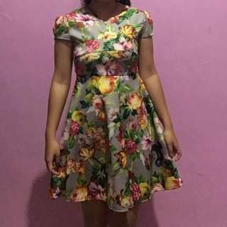 [PRELOVED] Dress Bunga. Good Quality