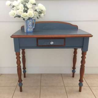Refurbished Occasional/hall/lamp table