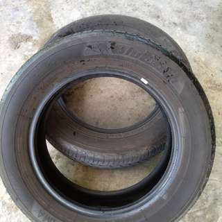 Used 2 pcs Yokohama Blue Earth AE01 tires