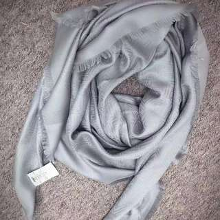 Fendi 最新圍巾🧣