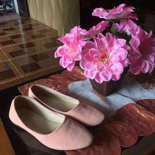 Dusty pink flatshoes