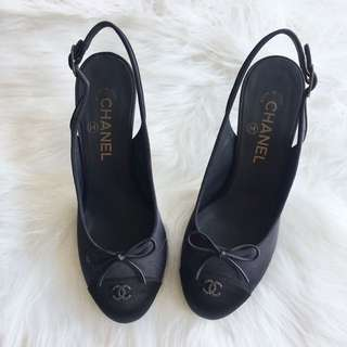Authentic CHANEL leather slingback black Pumps Heels