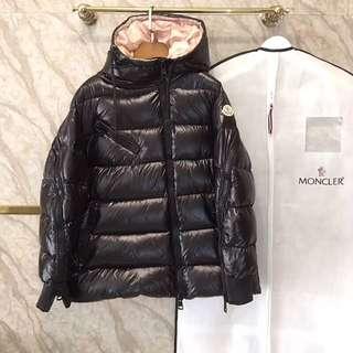 Moncler down jacket! 羽絨外套