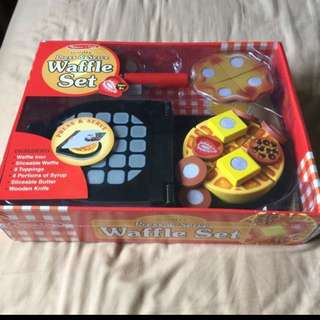 Sealed New In Box Melissa And Doug Wooden Waffle Set