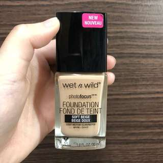 🚚 Wet n wild 粉底液
