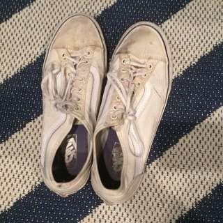 White sneakers Vans